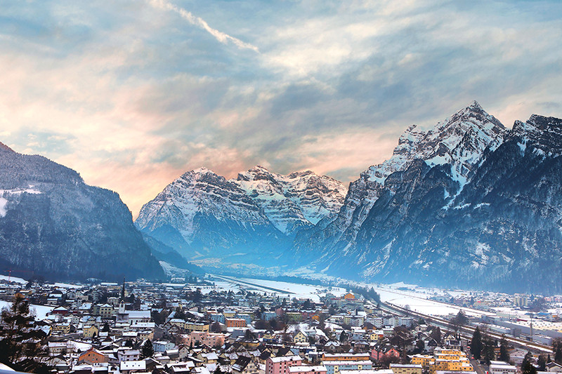 The Ultimate Guide to Skiing in Switzerland | Image by Chantelle Flores