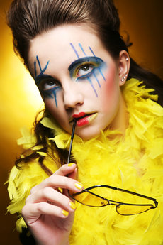 close-up-face-girl-with-creative-visfage