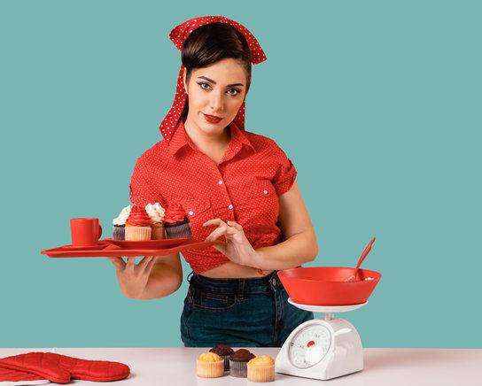 retro-pinup-girl-posing-kitchen.jpeg