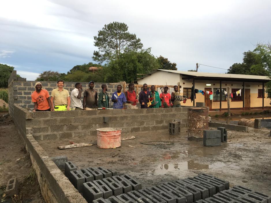 Nurse apartment in Mpongwe