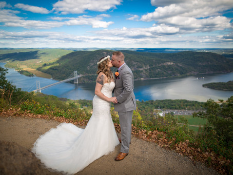 Michelle & Chris - Bear Mountain Inn wedding day