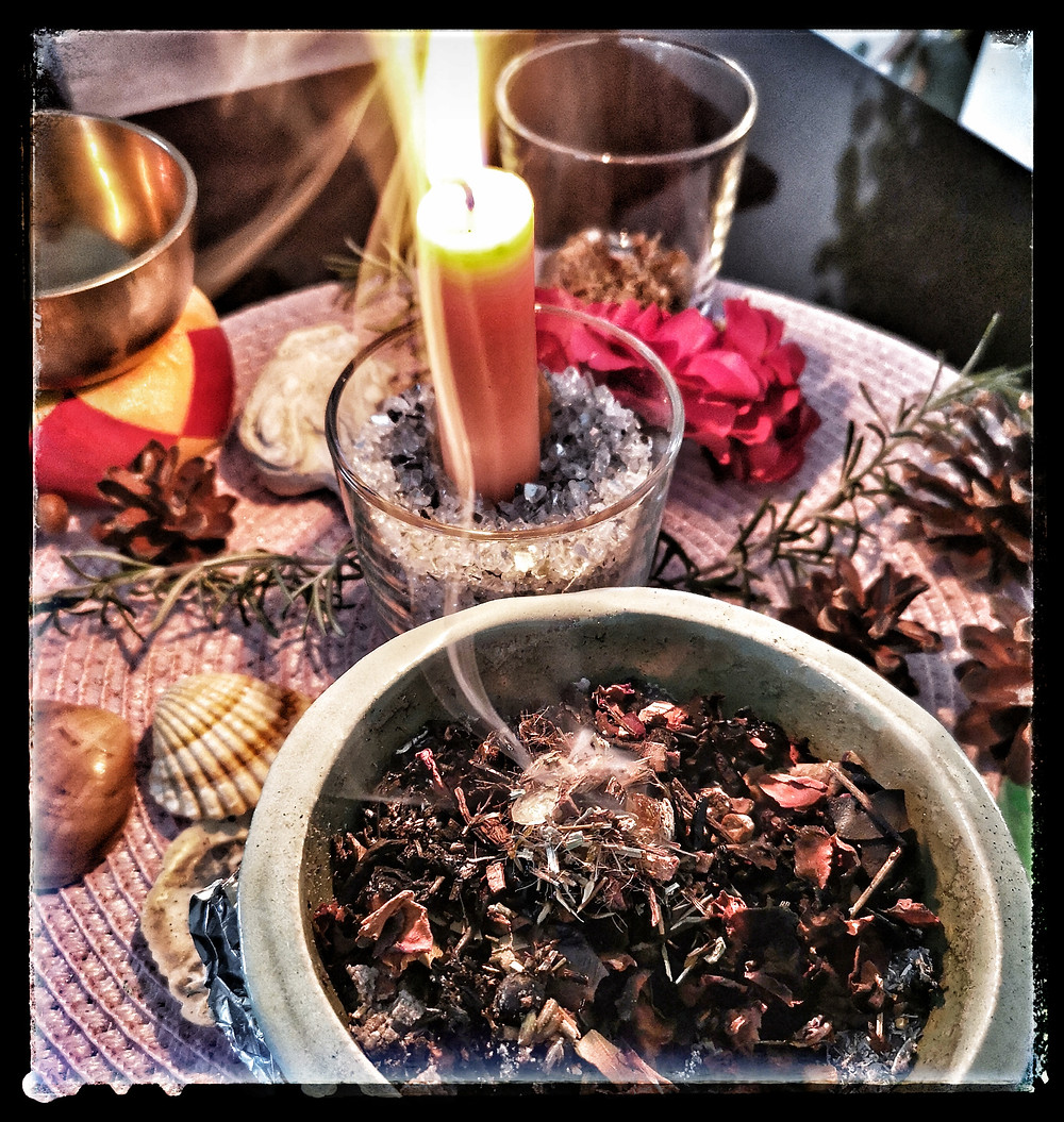 Räuchern energetische Reinigung Feng Shui Wohngefühl
