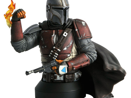 Diamond Select Toys new Mandolorian mini-bust!