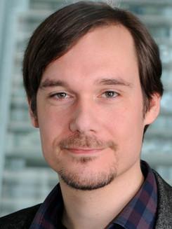 Dr Thomas Lampoltshammer