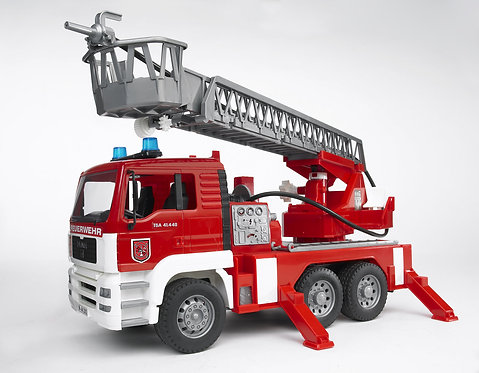 BRUDER 02771 MAN FIRE ENGINE W/WATER PUMP LIGHT AND SOUND