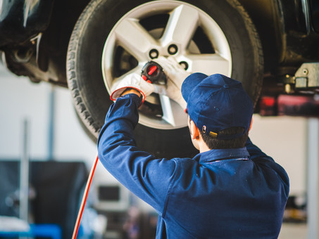 Tire Replacement Benefits and What to Expect from the Service