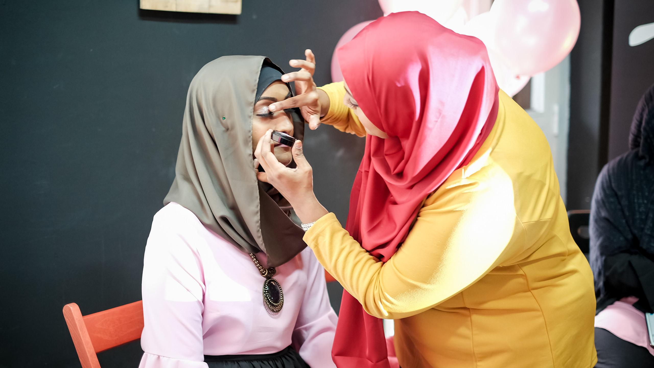 Makeup tutorial by MUA @nabisha