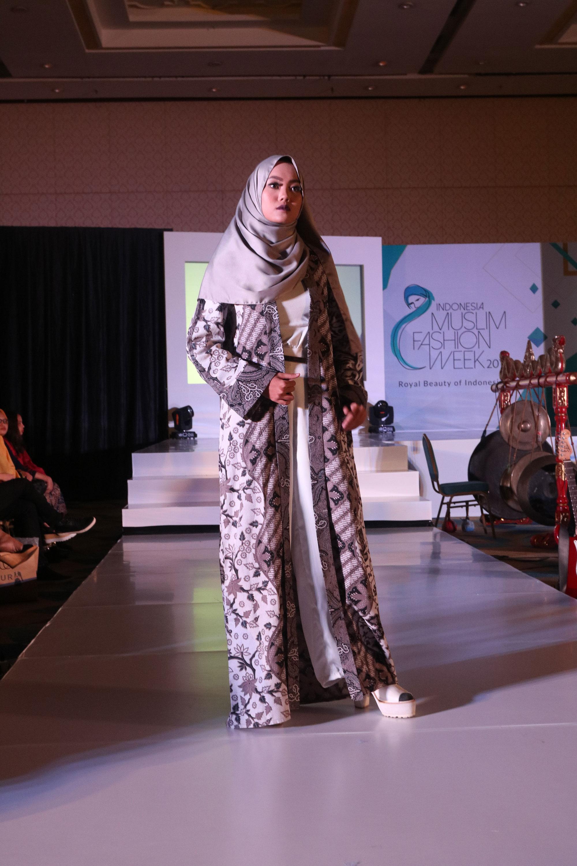 Indonesia muslim fashion week 2017 gaya magazine international indonesia muslim fashion week 2017 gaya magazine international modest fashion destination stopboris Images
