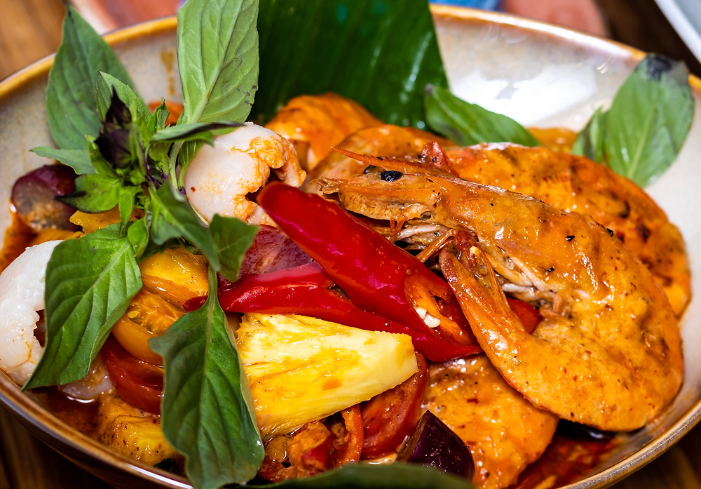Blue Jasmine - Stir-fried Prawns with Red Curry and Long Beans