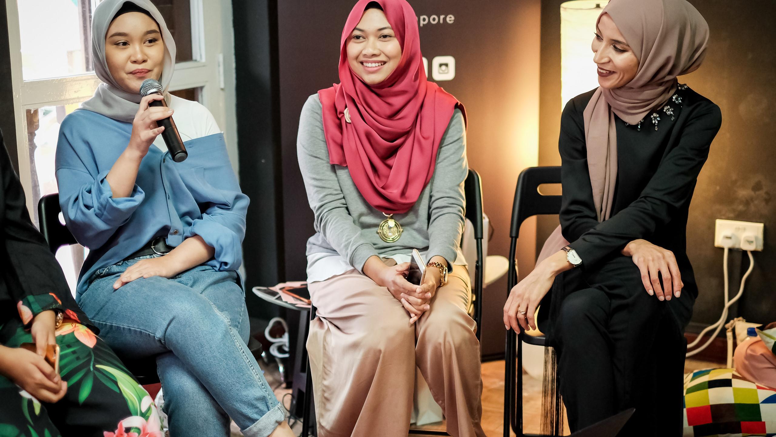 Left to right: Tayeba, bloggers Tiq @automatiqhigh, Nur Fatiin @nurfatiin, Nadya Abd @nadyawesome, Hasna B