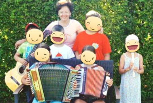 Musikunterricht Parkstetten Kinder Instrument ausprobieren
