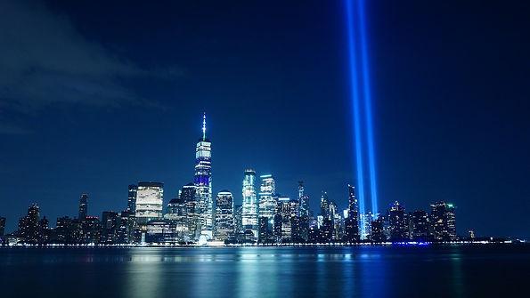 tribute-in-light-4470711_1280.jpg