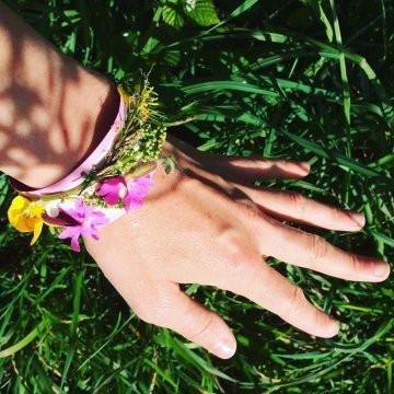 Plant bracelet
