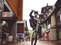 Magnetphotography. Valokuvaaja Elise Kulmala. Mainosvalokuvaus. Kuvapankki. Yrityskuvaus.Luontokuvaus. Bike Park valokuvaus. Yritys potretit. Suomi Finland.