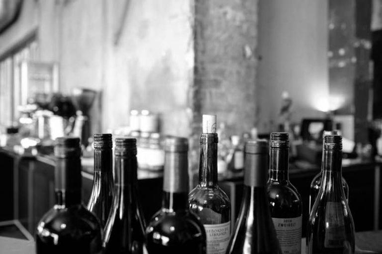 Wine, Distribution, vendors