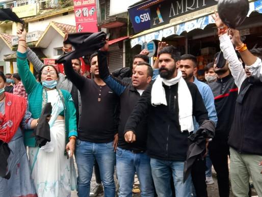 नैनीताल में सीएम धामी के विरोधियों को उठा ले गयी पुलिस..