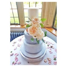 4 tier wedding