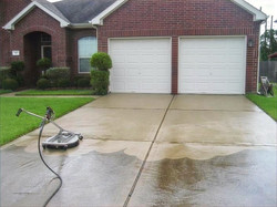 driveway-cleaning-power-washing-overland