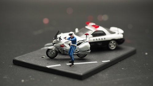 FigureWorkShop 1/64 Figures Japan Police with Bike  2Pcs SetD FWS164142