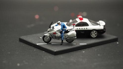 FigureWorkShop 1/64 Figures Japan Police with Bike  2Pcs SetA FWS164139
