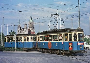 München tram Typ D wagen Messeplatz 462