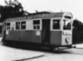 münchen tram K 2.10-Triebwagen 706 Wendeschleife Berg-am-Laim August 1946 kriegswag spartanisch ausgestattete Innenraum eines K-Triebwagens im Jahr 1945.n k Typ umbau krieg notlösung