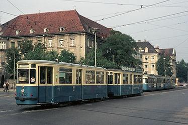 M 4.65 Wagen am Goetheplatz Richtung Sendliner Tor Platz lindwurmstrasse münchen tram trambahn