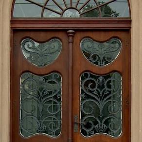 Adopta o poarta Art Nouveau