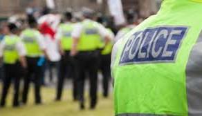 Polițiști amendați pentru că s-au tuns