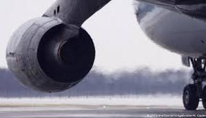 """Noua tulpină de coronavirus limitează traficul aerian internațional """"aproape de zero"""" și în Germania"""