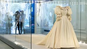 Cele mai frumoase tinute vestimentare ale familiei regale a Marii Britanii