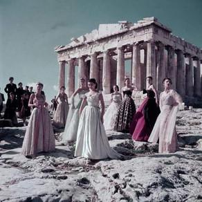 Ședințe foto controversate la Acropole