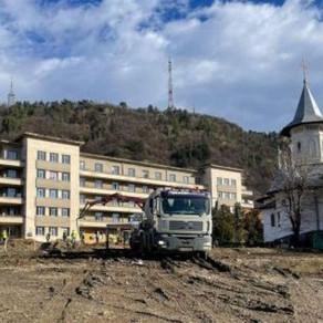 Dăruiește Viață a început construcția Spitalului Modular ATI din Piatra Neamț