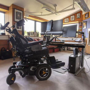 Documente si obiecte din arhiva fizicianului Stephen Hawking vor fi expuse public