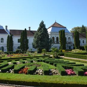Cel mai mare castel baroc din Transilvania a fost vândut unei companii din Ungaria