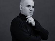 Garry Kasparov crede ca, odata cu Putin, se va prabusi tot sistemul pe care l-a construit