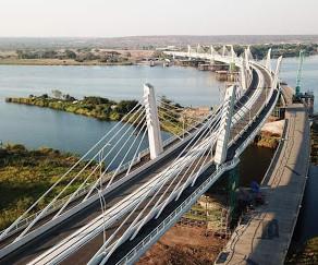 De ce este curbat podul impresionant construit in Africa de Sud