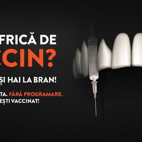 Cui îi e frică de vaccin? Maraton de vaccinare pentru turişti la Castelul Bran