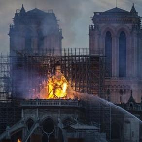 La 2 ani de la incendiul de la Notre-Dame, cauza dezastrului este o enigma