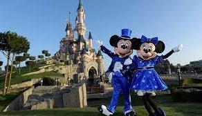 La Paris, Disneyland se transforma in centru de vaccinare