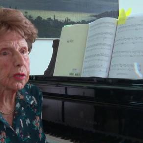 La 106 ani și-a lansat al 5-lea album/ VIDEO