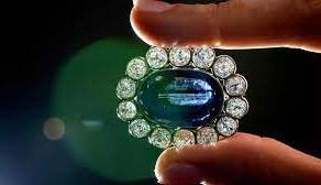 Cel mai mare safir din India si bijuteriile lui Napoleon sunt scoase la licitatie