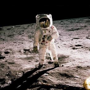 Se cauta astronauti
