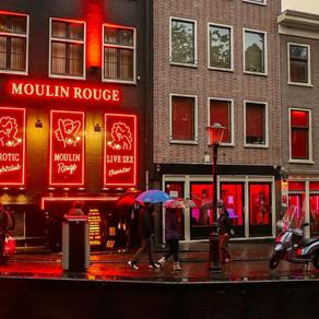 Autoritățile din Amsterdam vor să mute Cartierul Roşu, dedicat prostituţiei, în afara oraşului