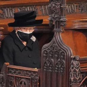 Imagini impresionante de la funeraliile Prințului Philip. Regina, singură în strana capelei