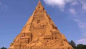 Cel mai inalt castel de nisip din lume