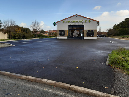 Parking pharmacie Tonnay Boutonne