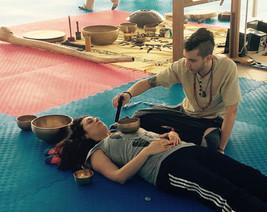massaggio sonoro suonoterapia campane tibetane