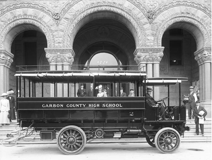 1900's School Bus