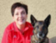 Tierheilpraktikerin Christiane Brönnimann mit ihrem Malinois Easy